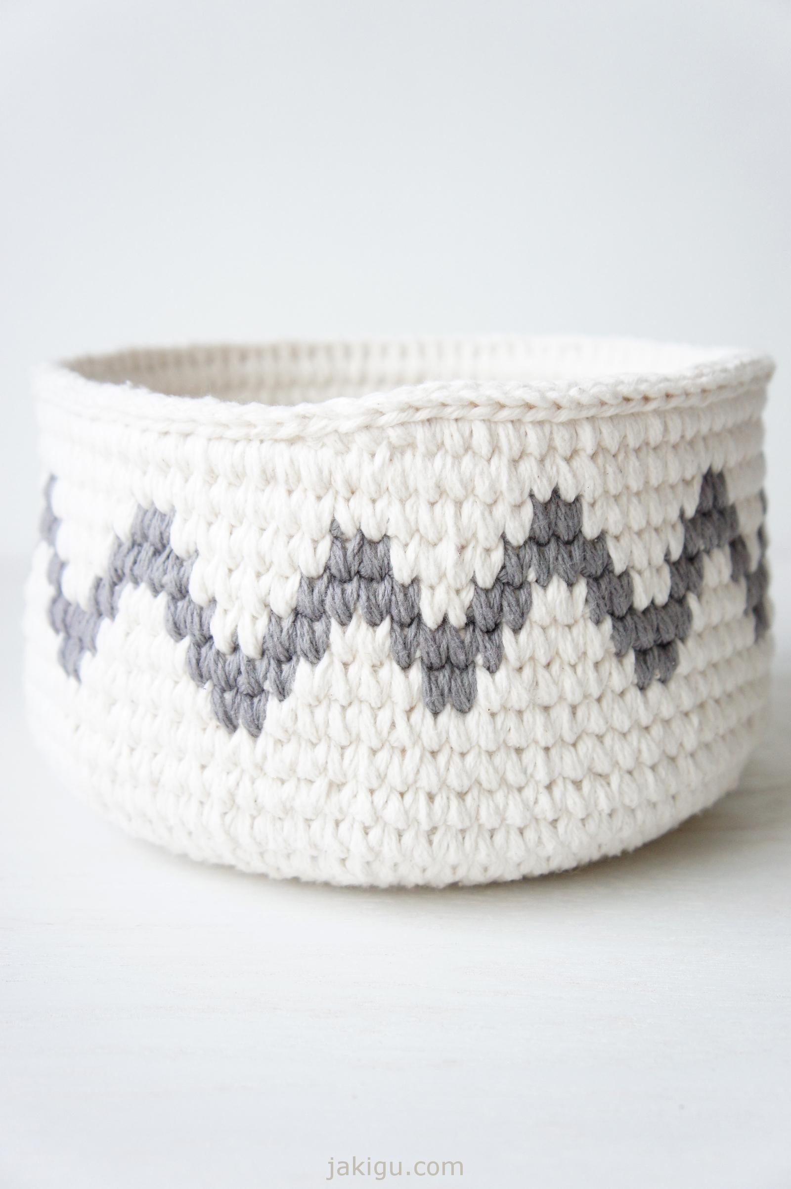 Grey chevron - join detail | crochet basket pattern by jakigu.com