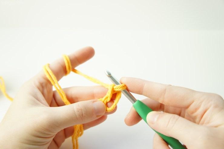 Magic loop crochet tutorial by jakigu.com