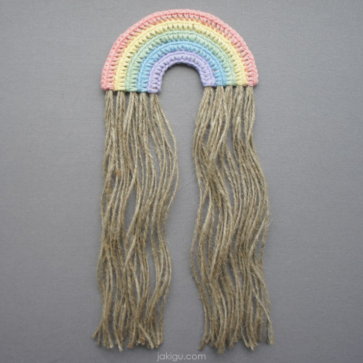pastel crochet rainbow with jute fringe | jakigu.com instalinks
