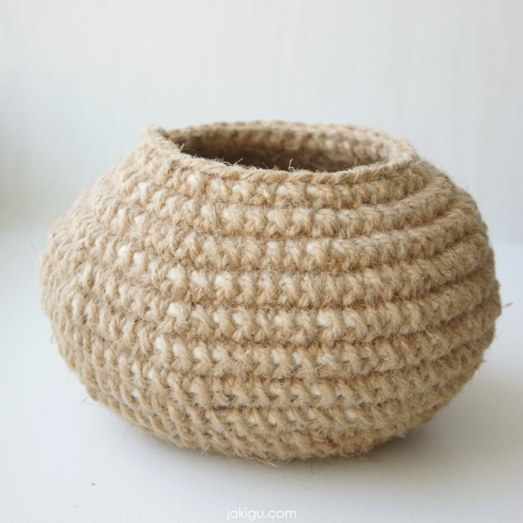 jakigu.com | crochet vessel in jute