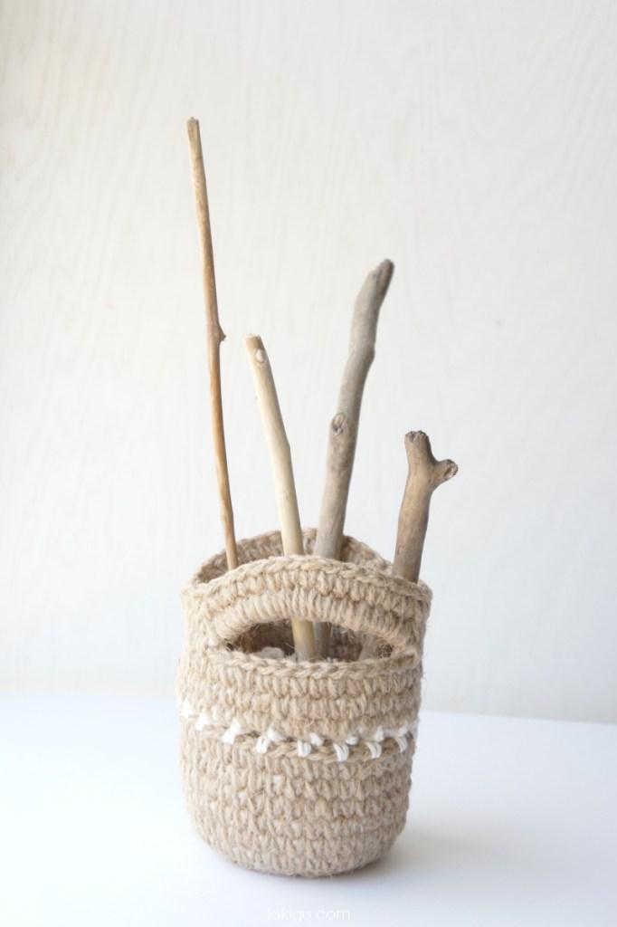 jakigu.com | collapsible crochet gift bag
