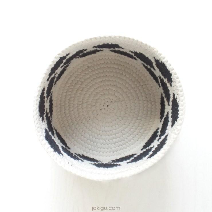 polka dot basket | jakigu.com crochet pattern