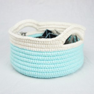 jakigu.com | crochet basket with handles