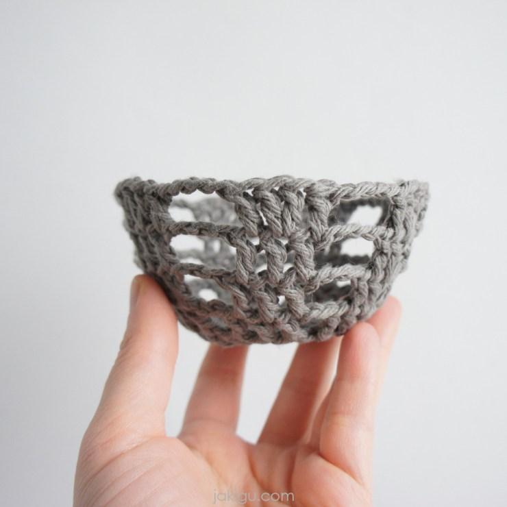 jakigu.com   handmade crochet basket
