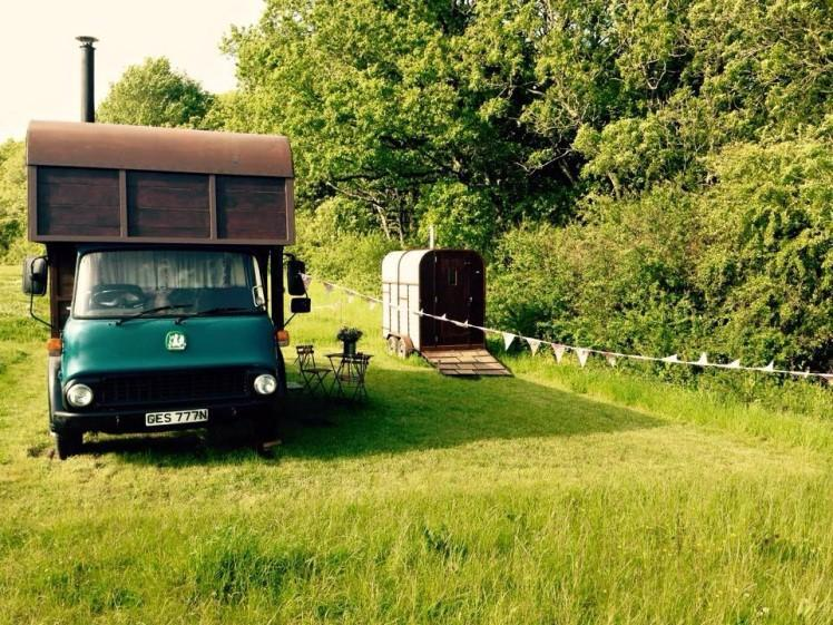 glamping horse box pony and trap Ges