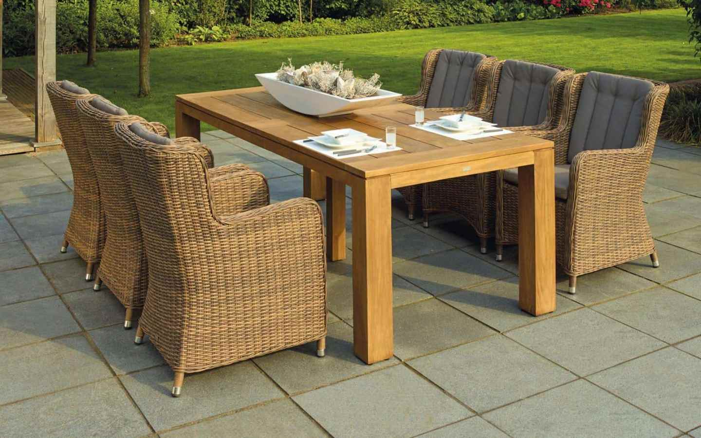 5 Tips for Customising Your Garden Furniture