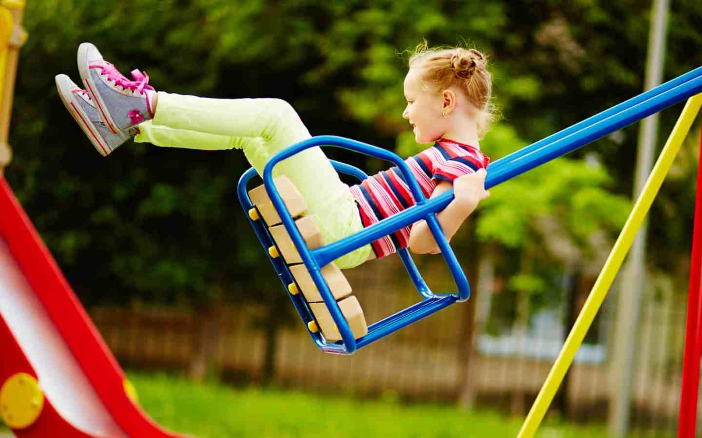 Choosing and Setting up A Swing Set