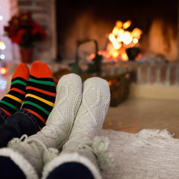 Essential Tips to Ensure Your Living Room is Ready for a Magical Christmas