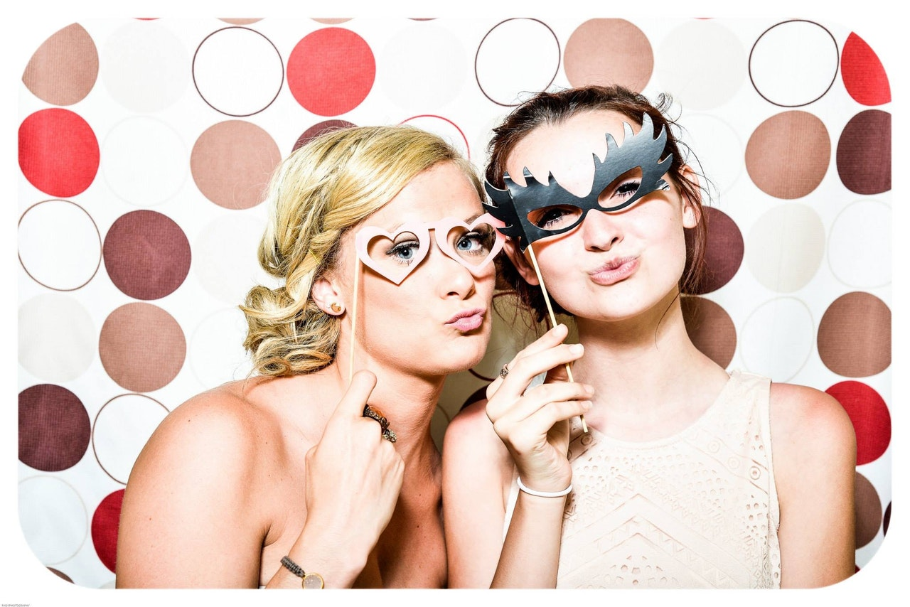 8 Reasons To Rent a Photo Booth For Your Event