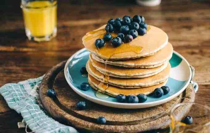 Pancakes -jak zrobić? Placuszki w wersji fit