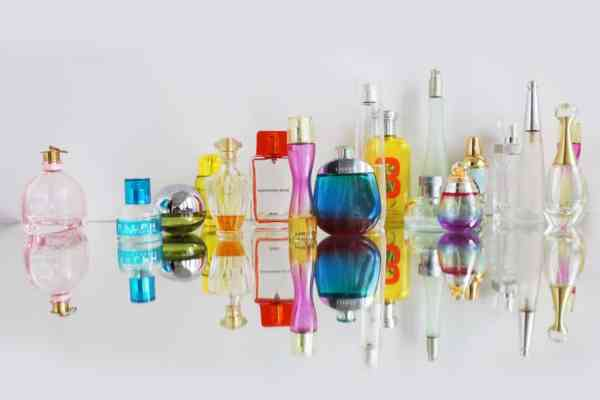 Royal Glow, Annabelle Minerals, Rozświetlacz mineralny Royal Glow, Jak naturalnie, Jak naturalnie