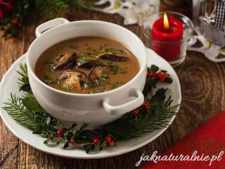 Christmas Eve mushroom soup made of dried mushrooms