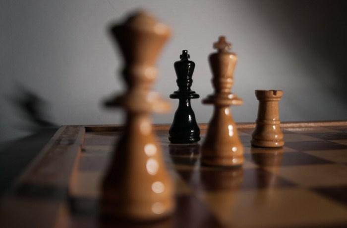 Einss_Schach_(1_von_2)