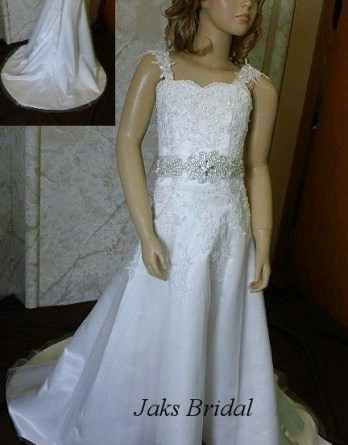 lace flower girl dress with bridal sash