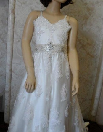 Lace wedding dresses for flower girl