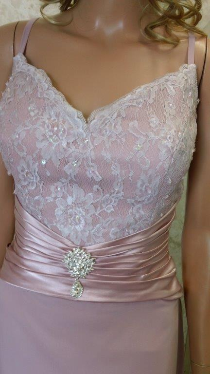 dusty rose mothers gown