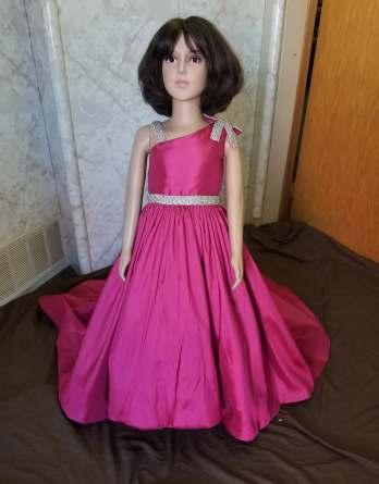 pink one-shoulder dress