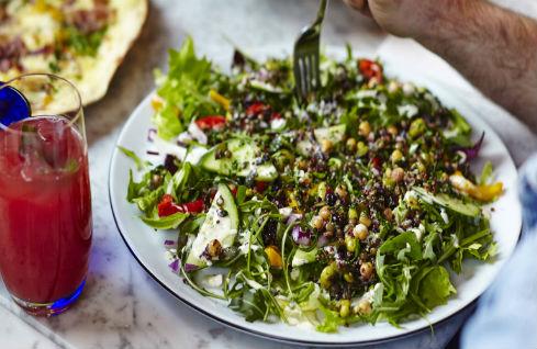 Superfood salad 489x318