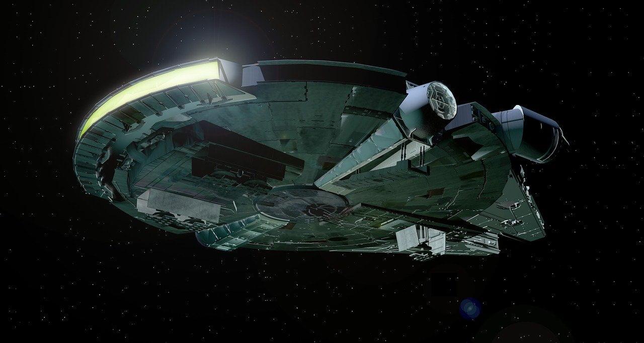 millenium falcon, falcon, star wars