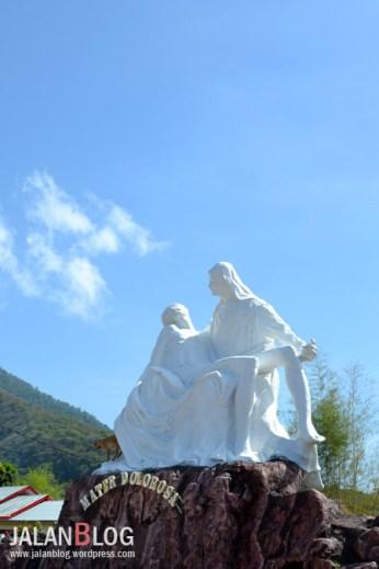 Patung Bunda Maria Berduka