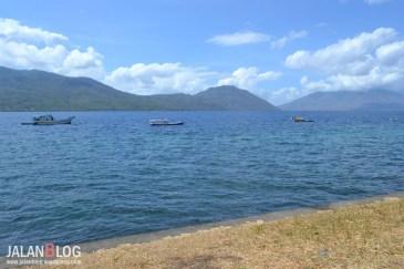 Pulau Adonara dari kejauhan