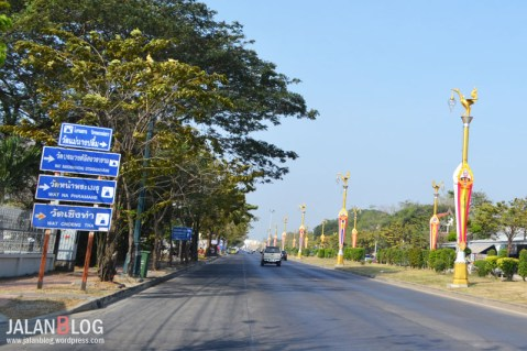 Jalan di Ayutthaya lebar lebar