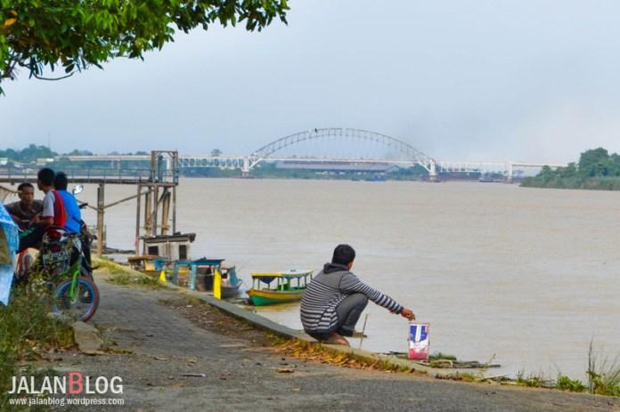 Tampak Jembatan Batanghari II dari kejauhan