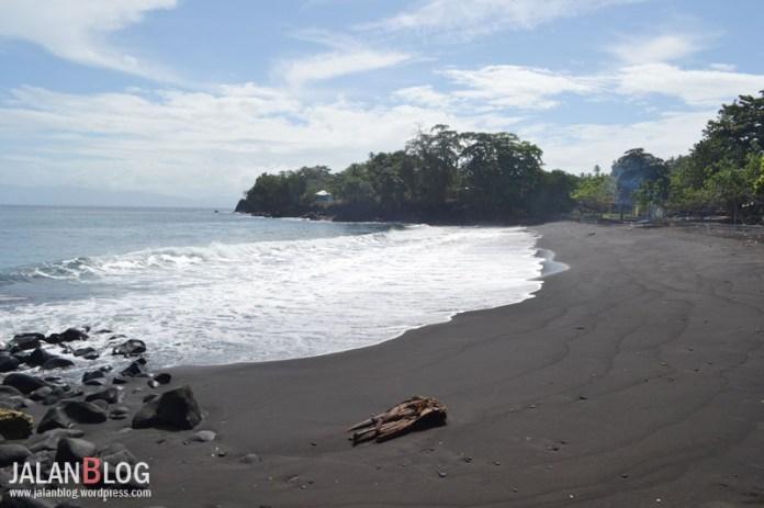Pantai Hitam Sulamadaha