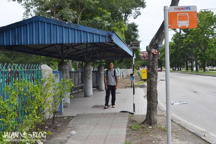 Halte bis di depan bandara subang