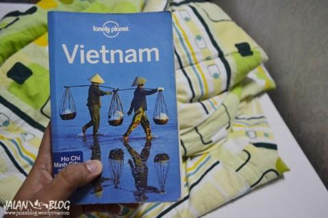 ikamar hostel disediakan buku ini....