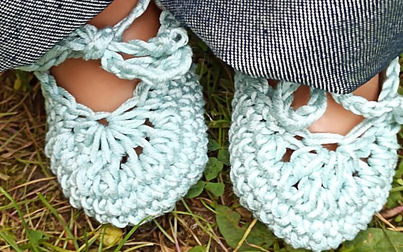 Gehäkelte Schuhe für Puppen