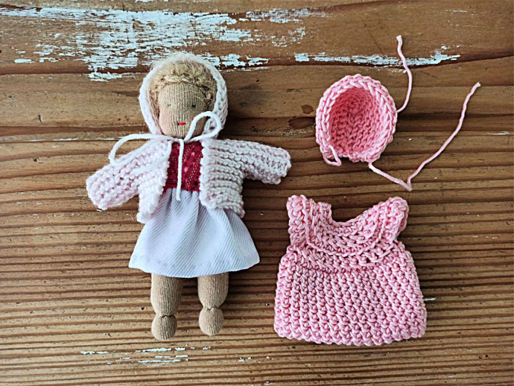 Neue Kleider für das Püppchen unglaublich, wie kleidung den Charakter einer Puppe prägt.