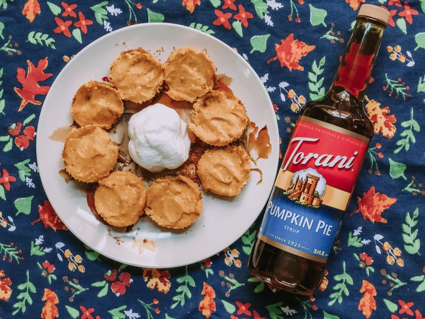 Easy mini pumpkin pie cheesecakes