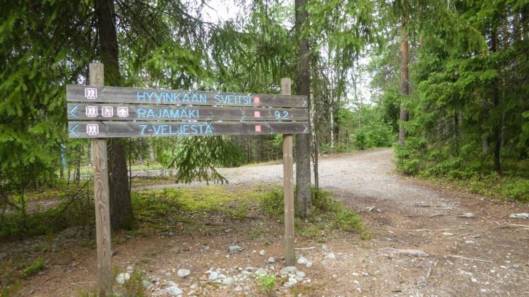 Seitsemän veljeksen reitin opasteet, Nurmijärvi.