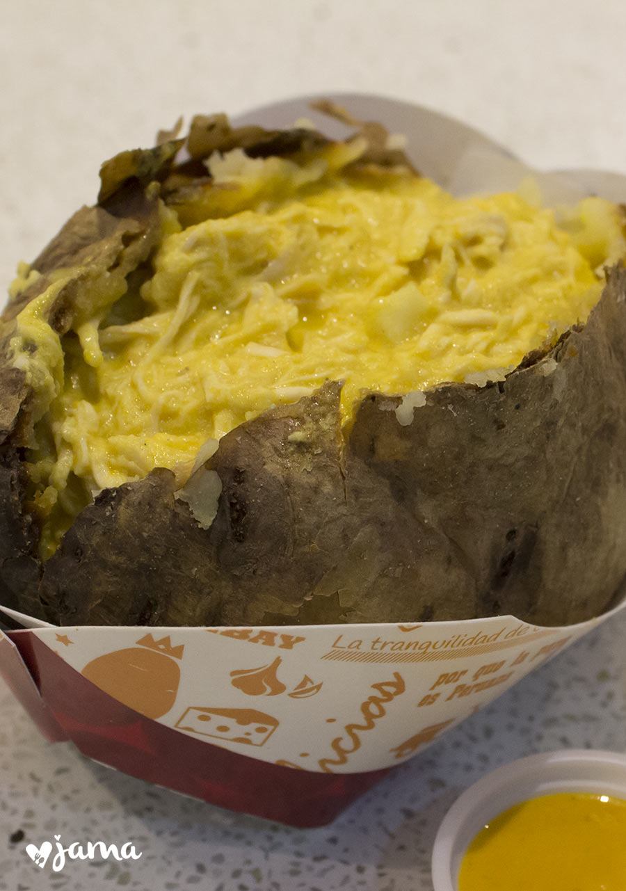 york-baked-potato-aji-de-gallina