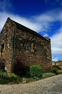 Edinburgh Castle, former abode of Lewis Hutchinson (Source: JNHT.com)