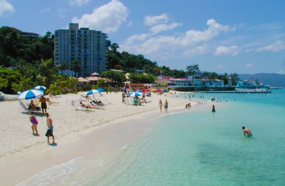 Doctors Cave Beach | Jamaica Wheelchair Taxi - transport for wheelchair passengers