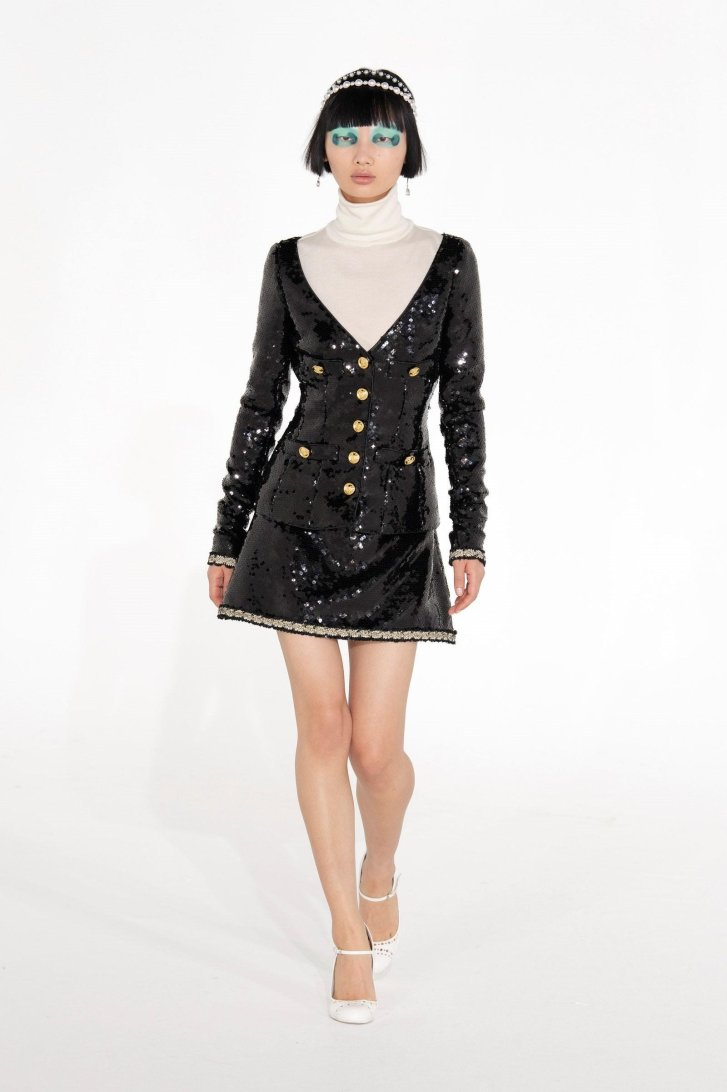 أزياء جيامباتيستا فالي موضة 2021 2022 بيوت أزياء الخريف لامع لامع S.