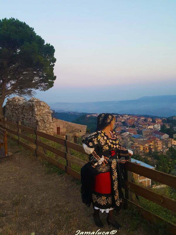 La Pacchiana di Tiriolo: meraviglia dell'arte tessile tradizionale calabrese
