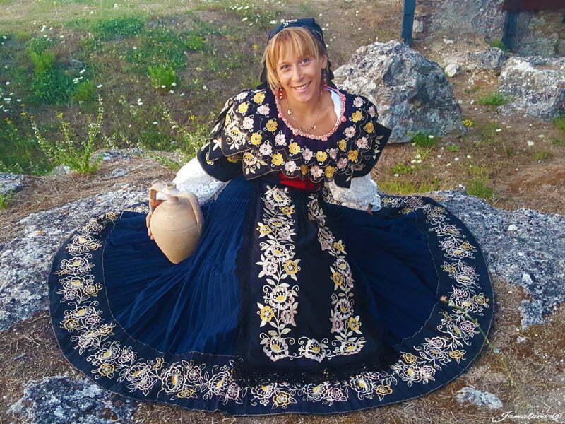 L'abito tradizionale calabrese nella provincia di Catanzaro