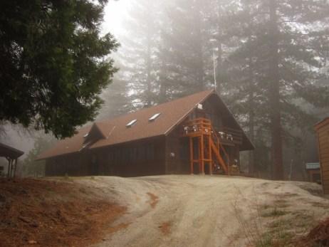 Spring fog shrouds Traifinder Lodge