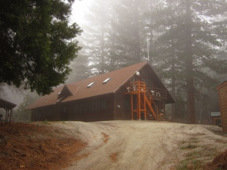 Spring fog shrouds Traifinder Lodge