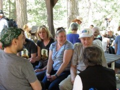 Trailfinder Steven Smith chatting with other guests