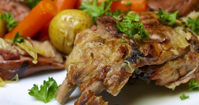 Pork Ribs with Kraut ~ Choucroute Garnie