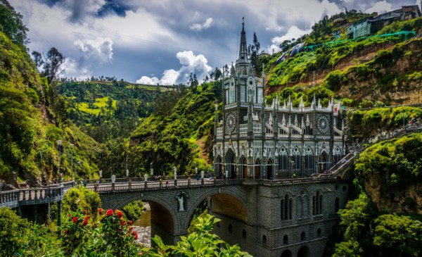 ('Las Lajas Sanctuary Ipiales Colombia' by BORIS G)