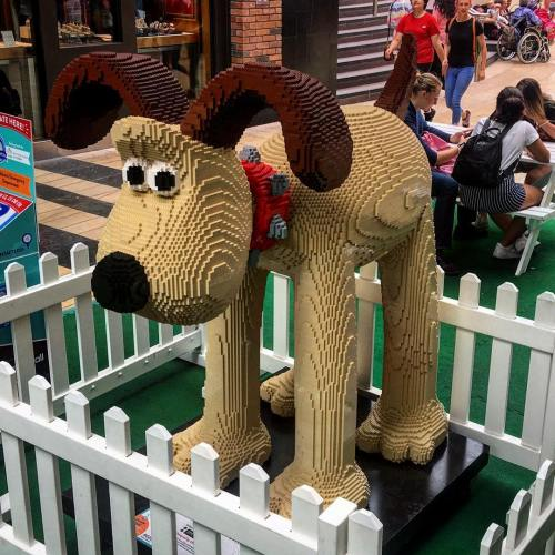 11. Cracking Build Gromit!