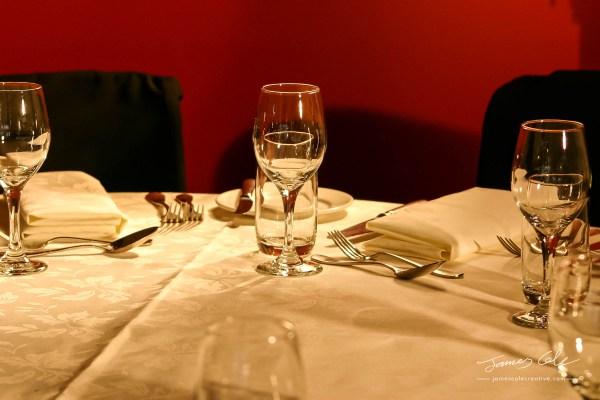 JCCI-100108 - Classy elegant dinner setting and crystal glasses