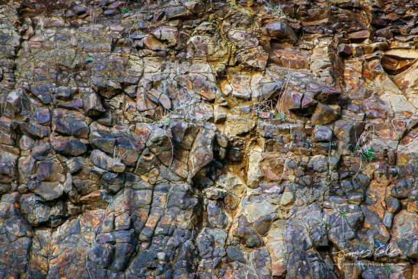 JCCI-100085 - Black and brown rocky cliff face texture 01