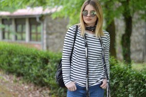 skinny scarf, black and white