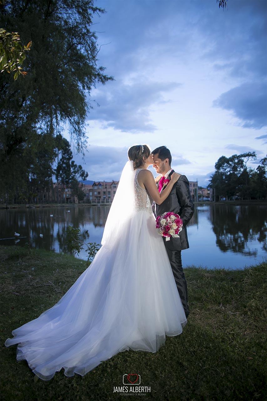 fotografias-de-bodas-centro-social-de-oficiales-de-la-policia-fotografias-de-matrimonios-hermosos-atardeceres-james-alberth-fotografo-de-bodas